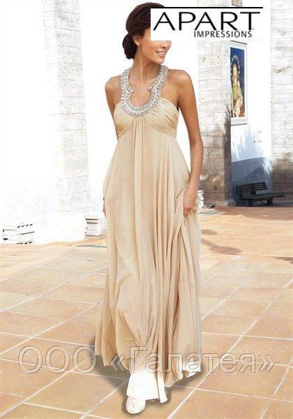 В этом сезоне золотистые платья в моде как никогда.